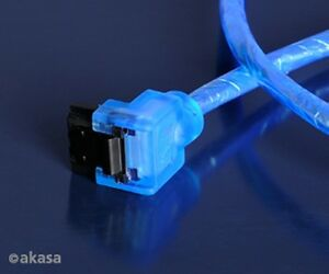 Akasa-SATA3-6Gb-s-Cable-Blue-UV-Reactive-100cm
