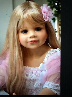 "Masterpiece Dolls Jillian Blonde Wig Fits Up To A 19"" Head"