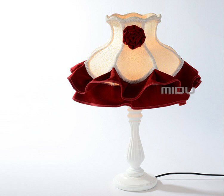 E372 Modern Rural Style 1 Light rot Wood Fabric Creative Bedroom Table Lamp A
