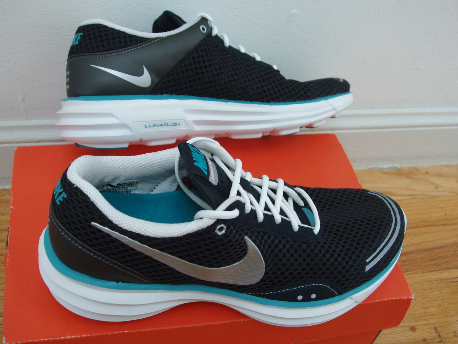 NEW Nike LunarTrainer women 7.5 lunar trainer running shoes black bluee lunarlon