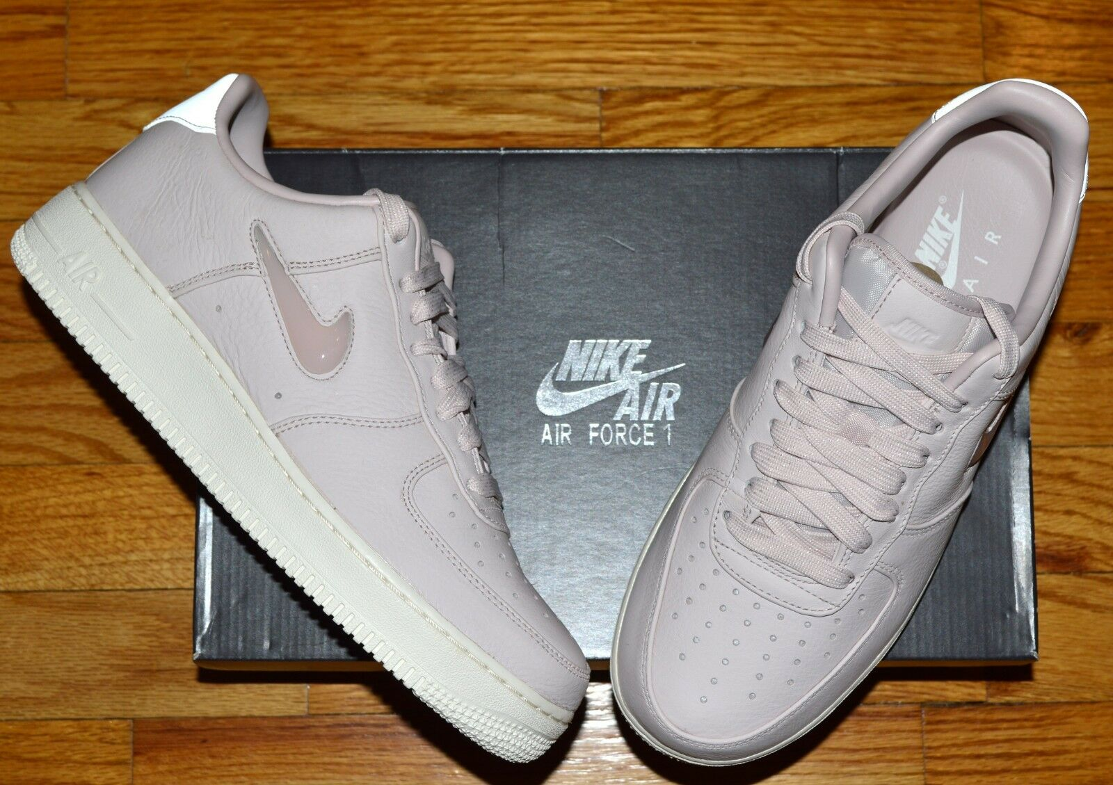 NIB Nike Air Force 1 Retro PRM Leather Sneakers  US 8 Light Pink