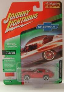 1//64 Johnny Lightning Classic Gold 1963 Chevrolet Corvette Split-Window Coupe in