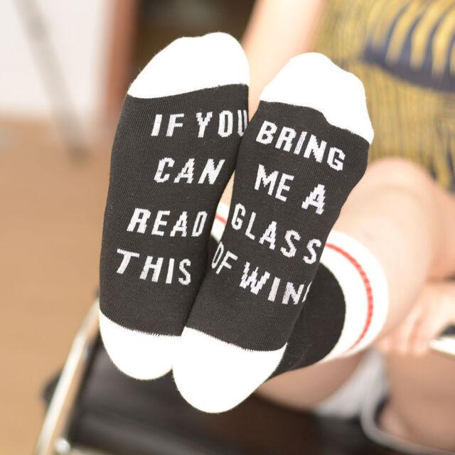 """Unisex Einzigartige Socken """"If You Can Read This bring mir ein Glas Wein & Schokolade"""""""
