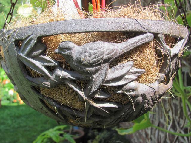 Landhaus Hanging Basket Blumenampel mit VOGELMOTIV 26 cm Durchmesser Gusseisen