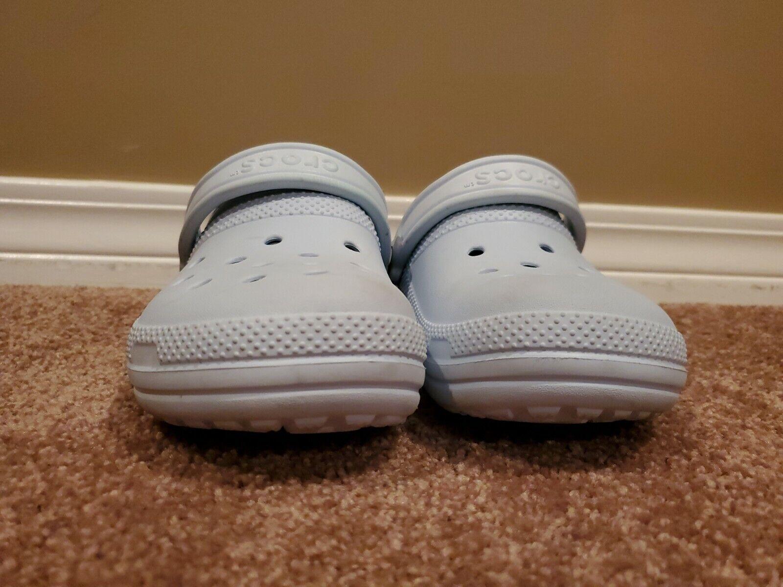 Womens Crocs Lined Size 6 Light Blue Great Used Shape