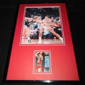 Bobby-Jones-Signed-Framed-11x17-Photo-Display-PANINI-76ers-vs-Larry-Bird