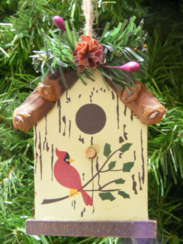 WOOD PINE BRANCH BIRDHOUSE w//PINE CONE /& HOLLY BERRIES CHRISTMAS TREE ORNAMENT