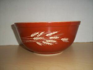 Vintage Pyrex Autumn Harvest Wheat Orange Mixing Bowl #403  2.5 L Oven/Microwave