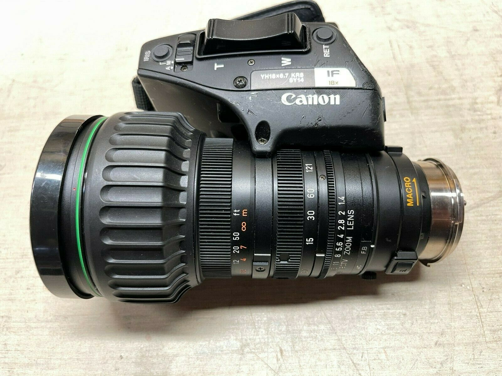 Canon YH18X6.7 KRS 1:1.4/6.7-121mm BCTV Zoom Lens