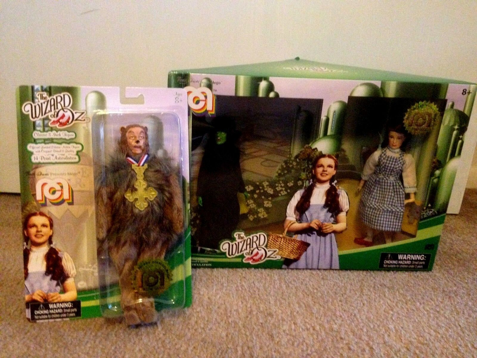 Mego Wizard of Oz Target Exclusives  10,000  Plus Cowardly Lion