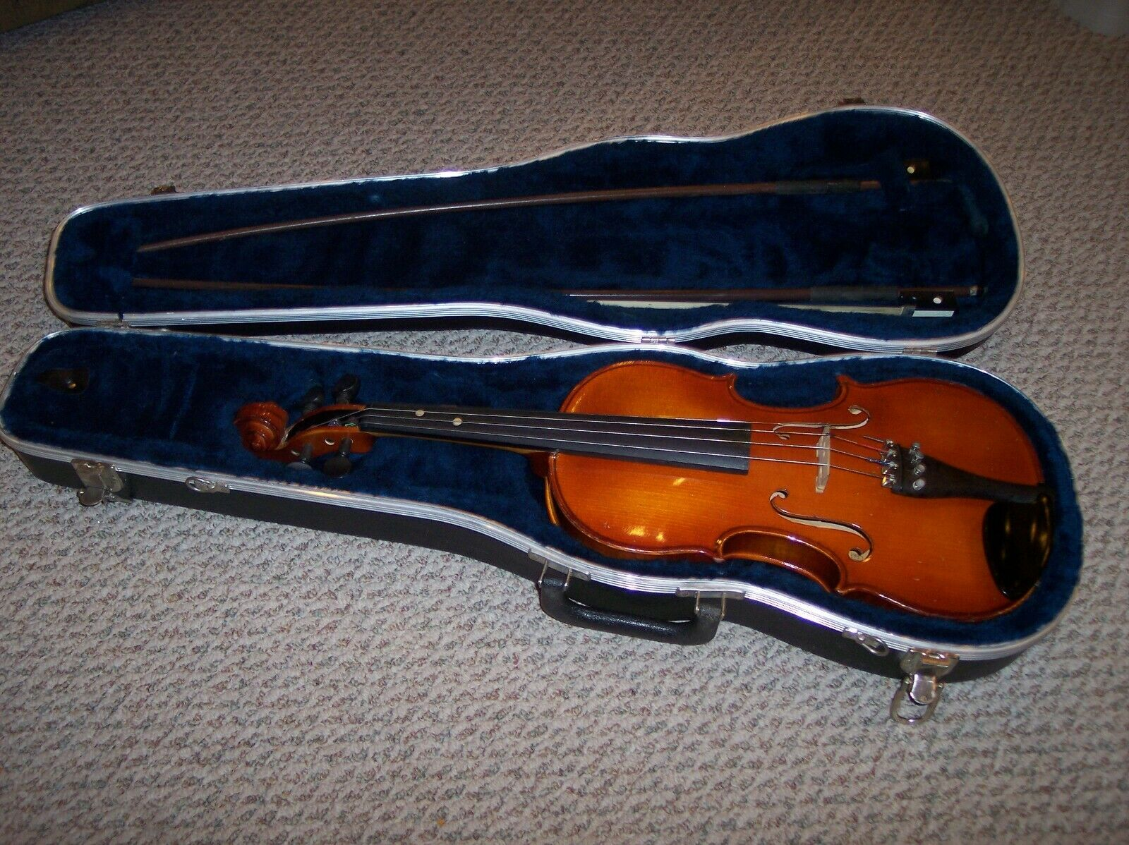 A.R. Seidel 4 4 Violin with 2 bows and hard case, V131E4, 1997