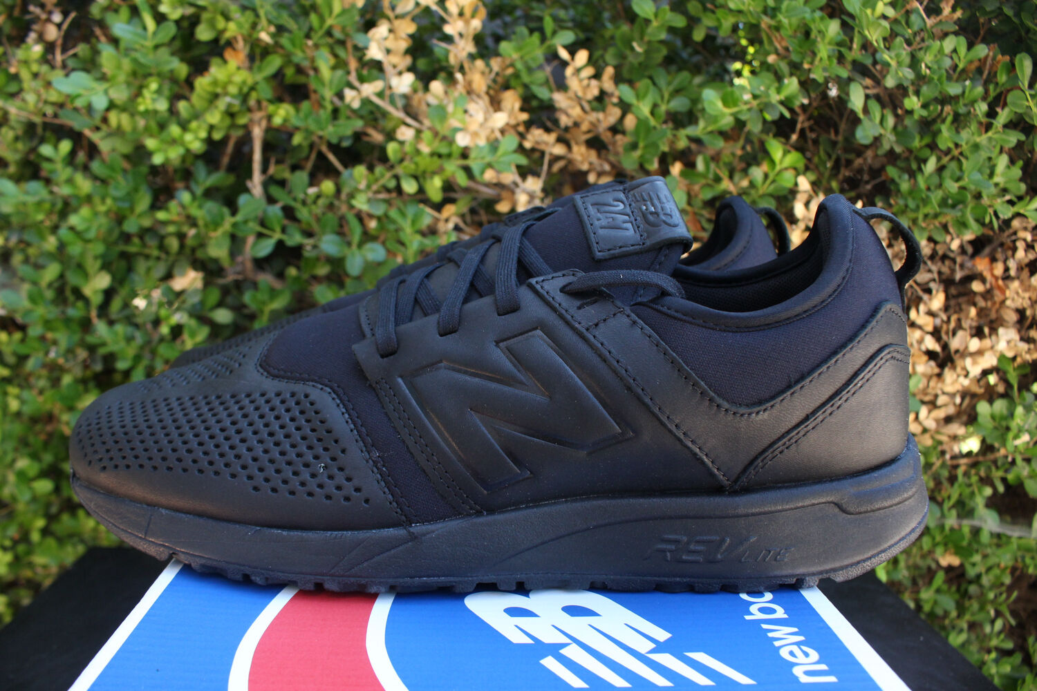 NEW BALANCE 247 SZ 9.5 TRIPLE BLACK LEATHER RUNNING SHOE MRL247LK