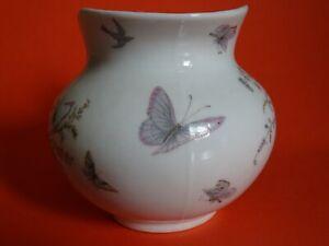 1 Ancien Cremier En Porcelaine Paris Decor Florale Et Papillons Cool En éTé Et Chaud En Hiver
