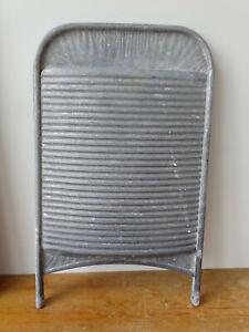 V9026-Altes-Waschbrett-wash-board-Zink-um-1940