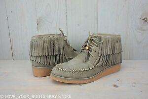 womens ugg desert boots