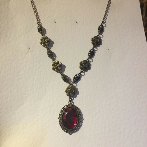 VICTORIAN STYLE DEEP RED ACRYLIC DARK GOLD PLATED CAMELLIA PENDANT NECKLACE DC