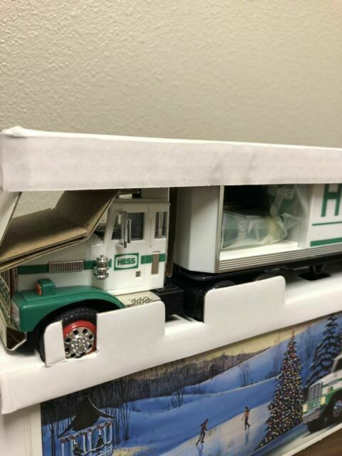 HESS* 1987* TOY* TRUCK* WITH* BARRELS* BANK* WITH* SMOOTH* TANKS* MIB*