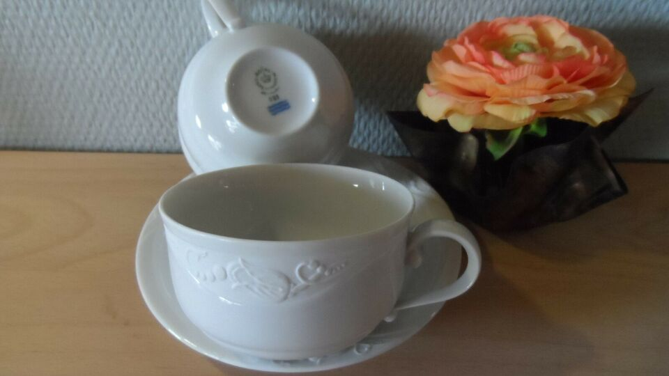 Porcelæn, 12 par Hvid Magnolia, kopper