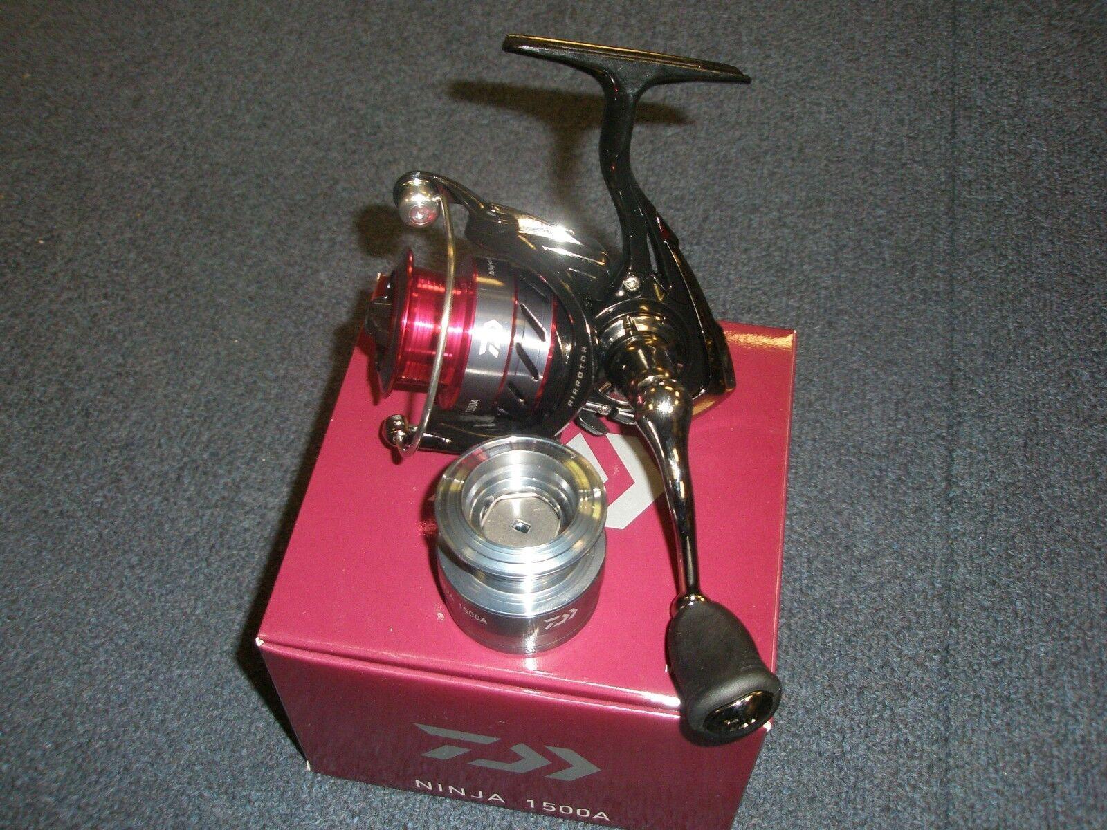 Daiwa Ninja 1500A Front Drag Fishing Reel Reel Fishing + Spare Spool e6c80c