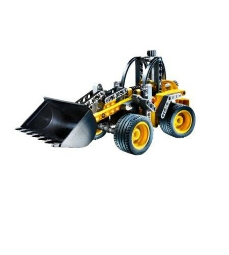 BNIB LEGO Technic Wheel Loader (8271)