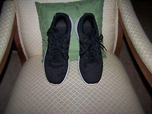 Adidas-Cloudfoam-Racer-DA9306-mens-US-size-7-5-black