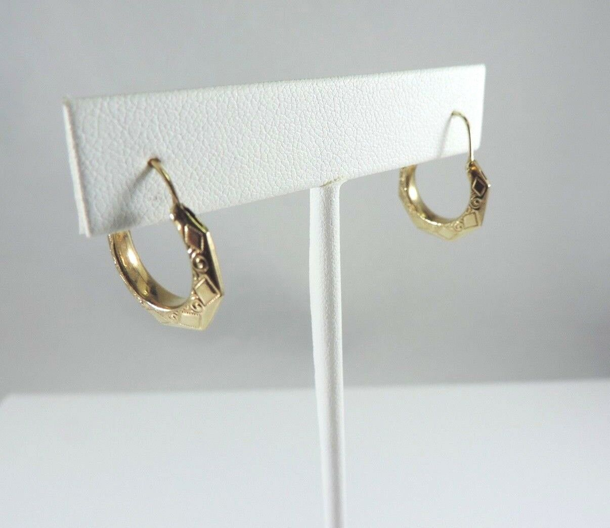 .585 14K YELLOW gold ETCHED DESIGN HOOP EARRINGS