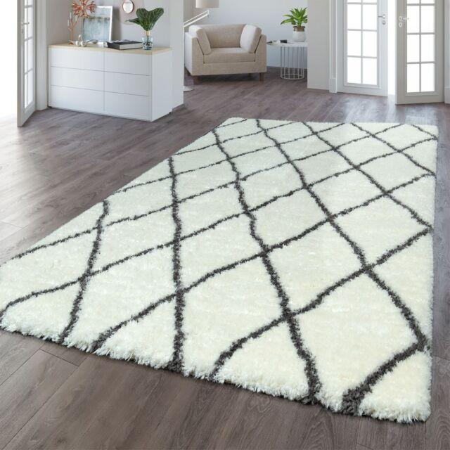 Flauschiger Teppich (ab 99 Euro)