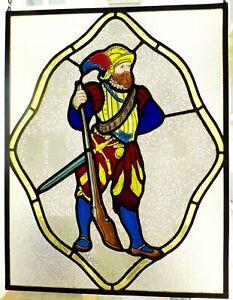 Historismus-Glasmalerei-Bleiverglasung-Landsknecht-mit-Muskete