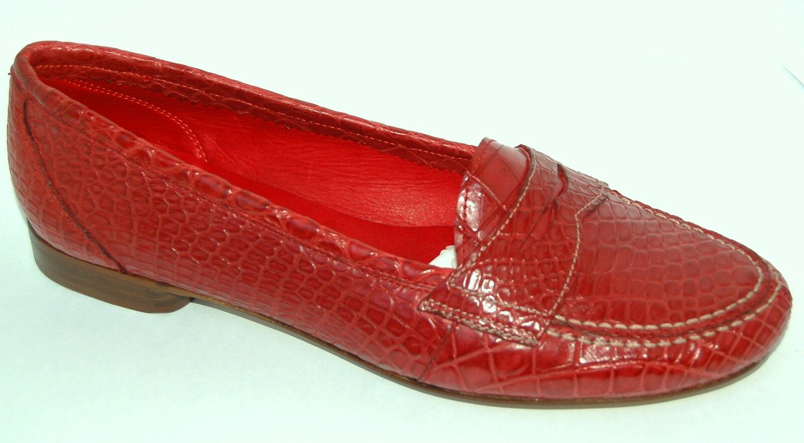 WOMAN - PENNY LOAFER - 37 - GENUINE RED ALLIGATOR - LEATHER SOLE - LOW HEEL