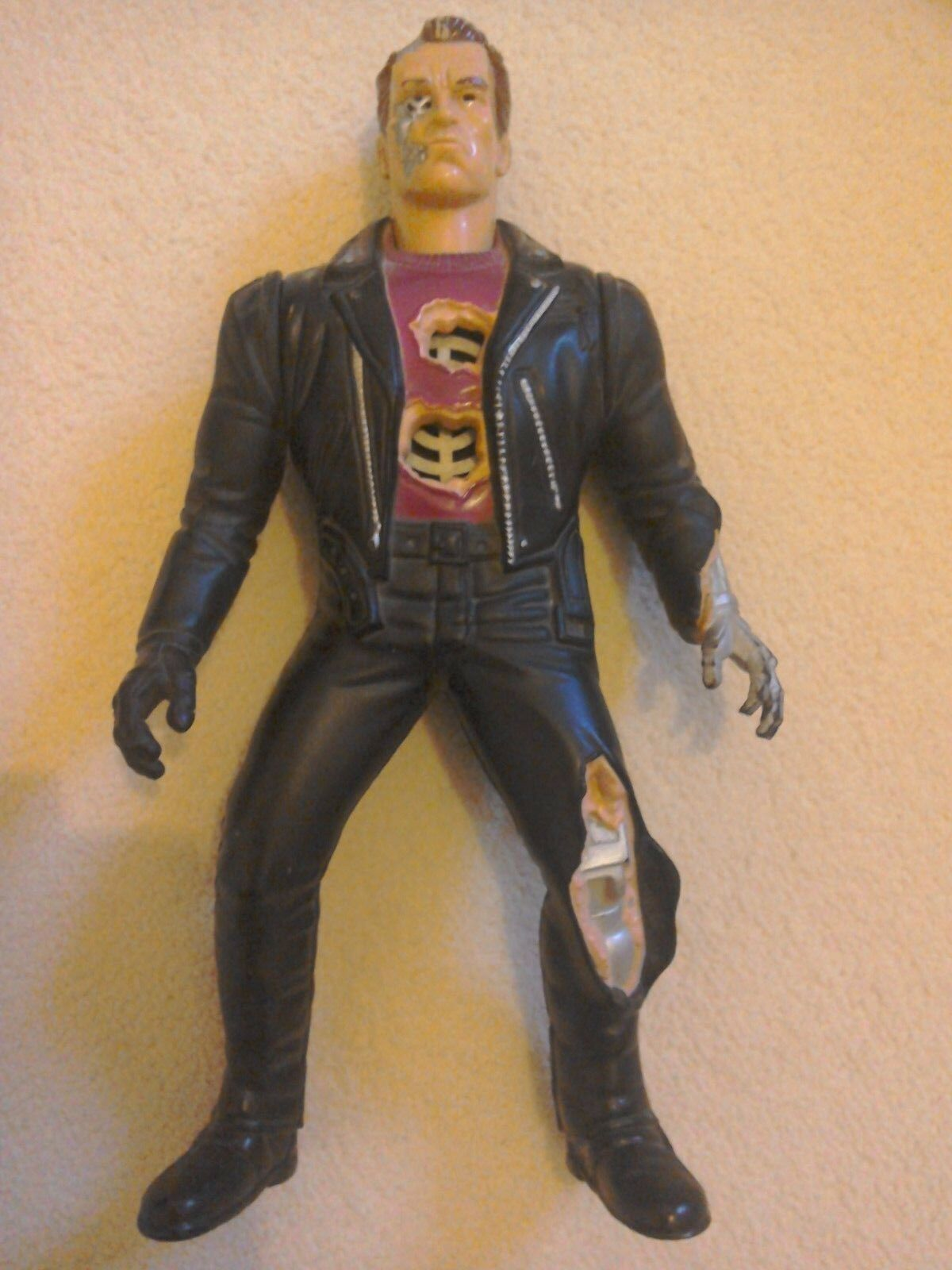 Very rare Kenner Kenner Kenner Terminator 2 The Ultimate Terminator Doll with Sounds no box cc5275
