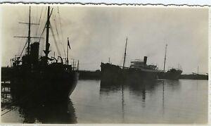 PHOTO-Snapshot-3-bateaux-rade-mouillage-navire-circa-1950
