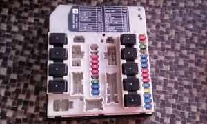 Sicherungskasten-Sicherungsbox-Sicherung-Nissan-X-Trail-T31-2-0-dCi-Bj-08-26