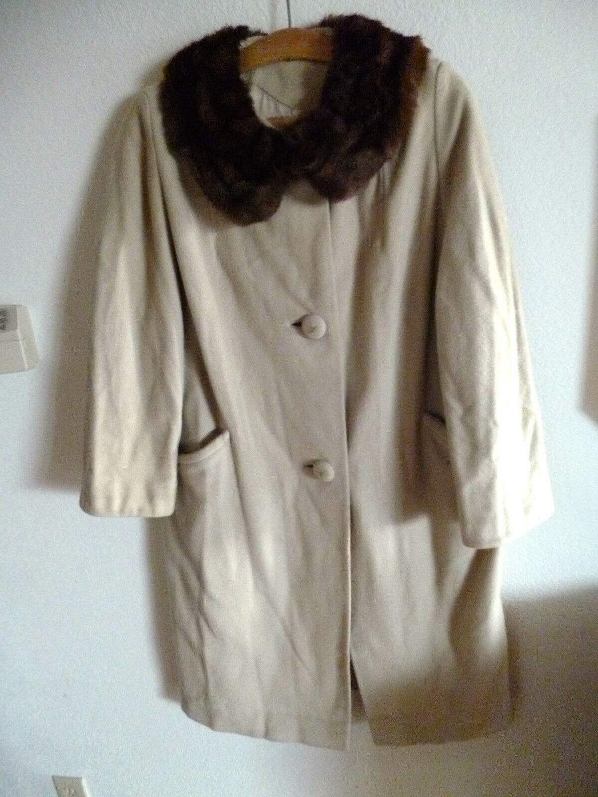 Vintage Tan Cashmere  Coat  Dark Fur Collar Herman Bass   Chaffee's Everett  L