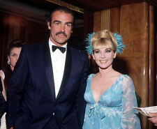 Sean Connery and Diane Cilento UNSIGNED photo - B2987