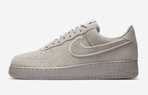 {AA1117-201} MEN'S NIKE AIR FORCE 1 '07 LV8 SUEDE SHOE MOON PARTICLE/SEPIA STONE
