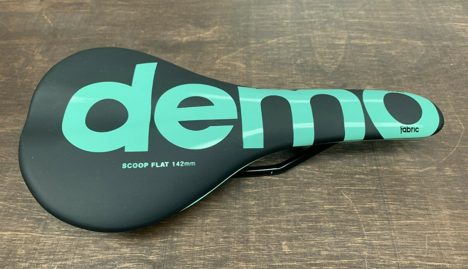 Fabric Scoop Flat  142 mm Demo Saddle  100% brand new with original quality