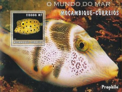 Mozambique Block181 Unmounted Mint Never Hinged 2002 World Of Marine Invigorating Blood Circulation And Stopping Pains Topical Stamps