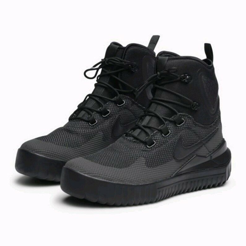 SIZE 9 MEN'S Nike Air Wild Mid Triple All Black Anthracite 916819 002 Boots