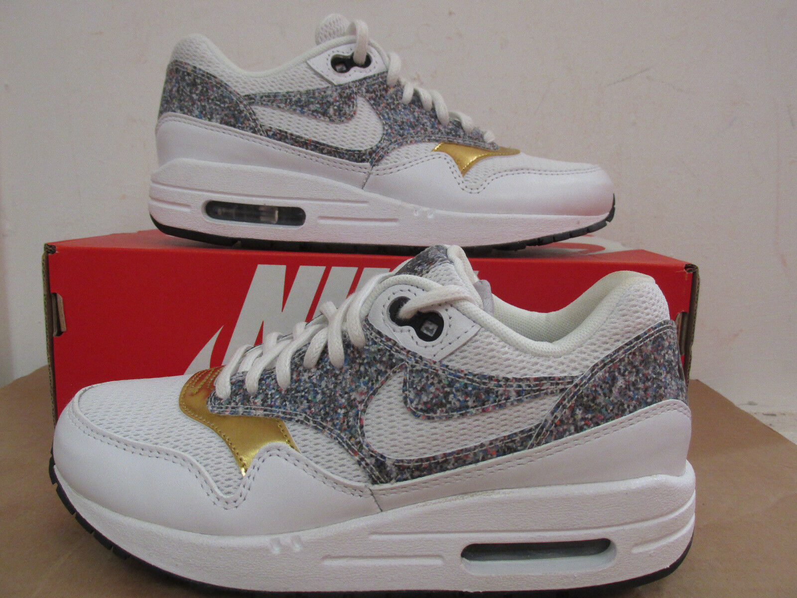 Zapatos promocionales para hombres y mujeres Nike Womens Air Max 1 SE Running Trainers 881101 100 Sneakers Shoes CLEARANCE