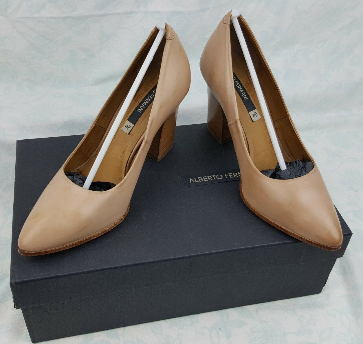 EUC Alberto Fermani Nude Nude Nude Leather Stacked Chunky High Heel Women's Size 37  6cf93d