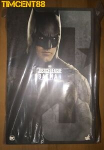 Ready-Hot-Toys-MMS455-Justice-League-Batman-Ben-Affleck-1-6-New-Normal-Version