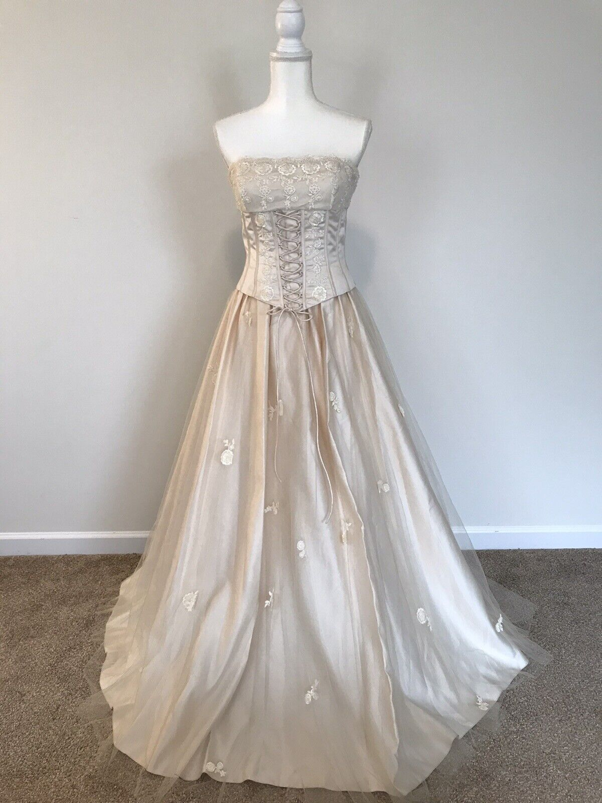 Sue Wong Cream Strapless Corset Beaded Gown w/Shawl Size 6 NWT