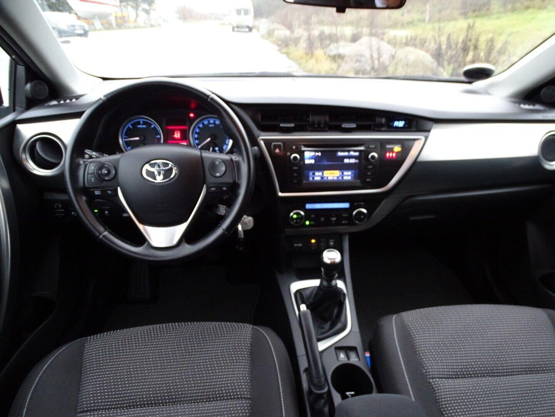 Toyota Auris 2,0 D-4D T2 Touring Sports - billede 6