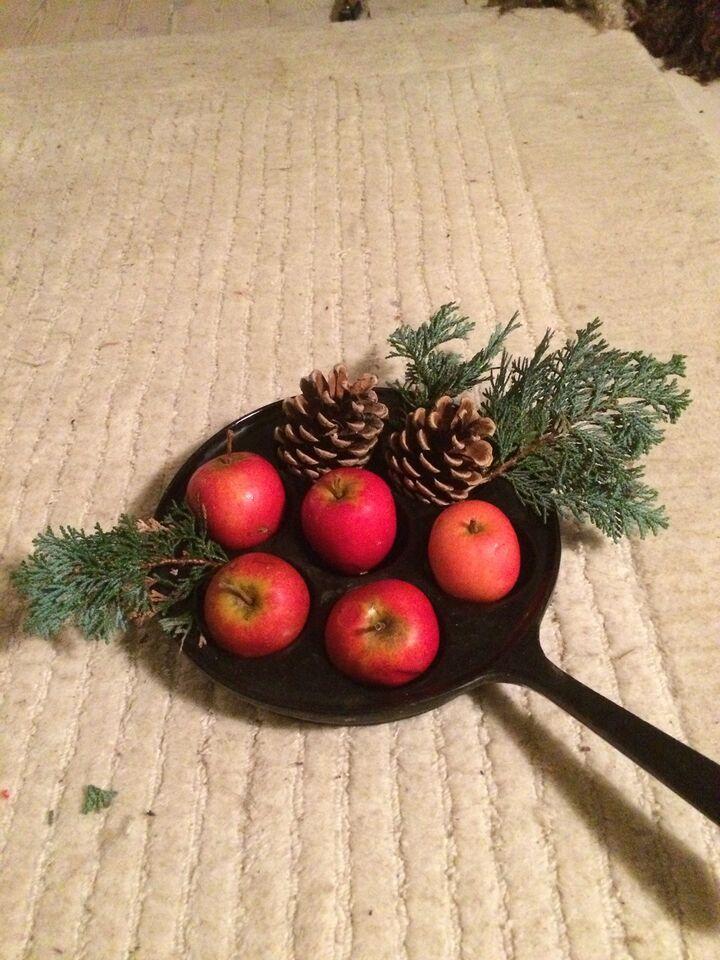Æbleskive pande i støbejern.