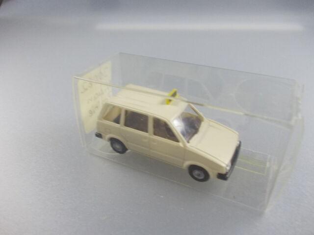 Rietze: N. 30062 NISSAN PRAIRIE taxi (gk8)