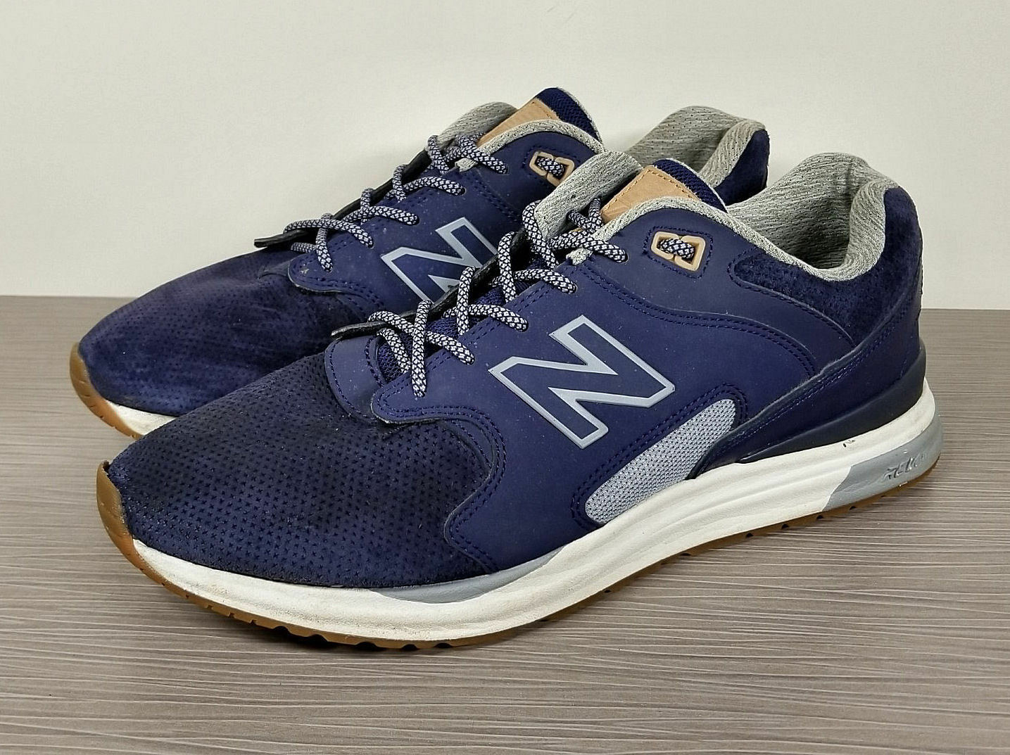 New Balance 1550 Sneaker, bluee Grey Suede, Mens Size 10.5   44.5
