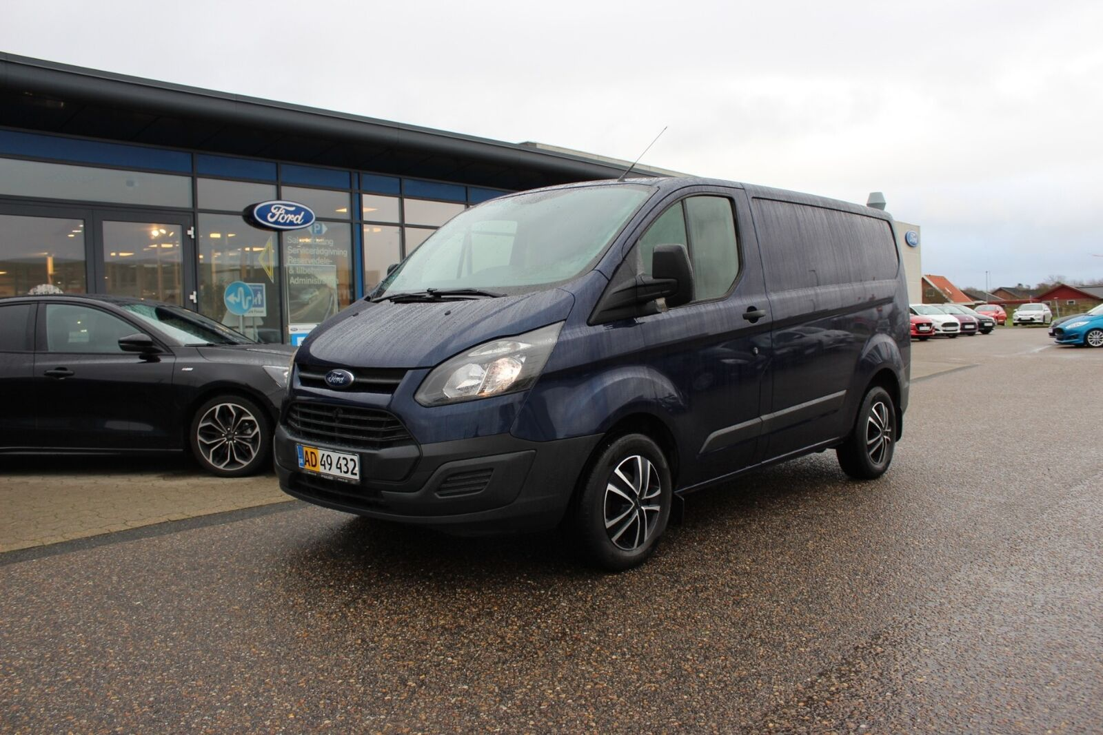 Ford Transit Custom 270S 2,2 TDCi 100 Ambiente