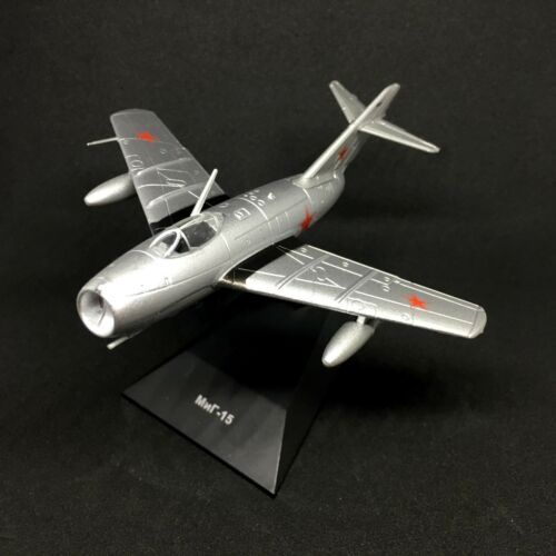 MiG-15 Mikoyan-Gurevich Fighter Aircraft 1949 Year 1//100 Scale Model with Stand