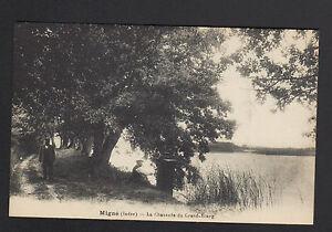 MIGNE-pres-de-SAINT-GAULTIER-36-PECHEUR-a-la-ligne-sur-CHAUSSEE-du-GRAND-ETANG