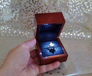 NEW LED LIGHTED GENUINE WOOD DIAMOND ENGAGEMENT RING GIFT BOX PRESENTATION CASE